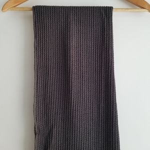 TNA waffle grey scarf